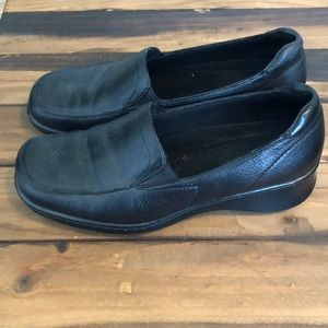 Naturalizer Black Leather Slip On Loafer